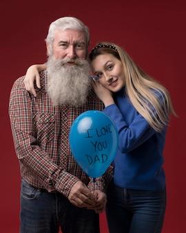 Hija y padre en el día del padre