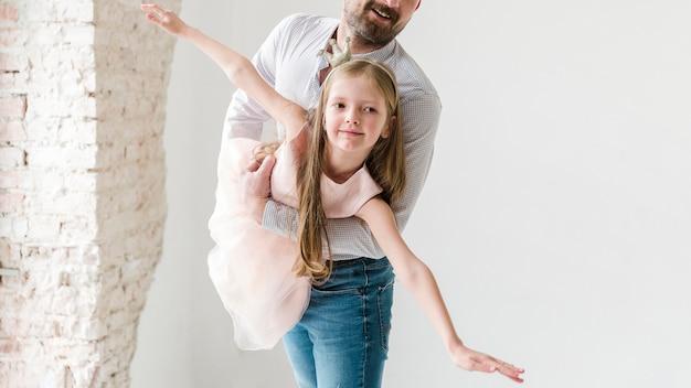 Hija y papá el día del padre