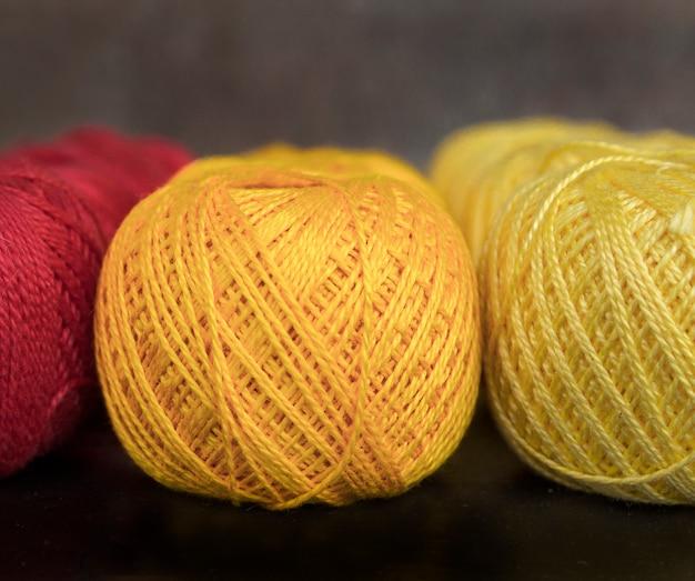 Hilos de colores para tejer