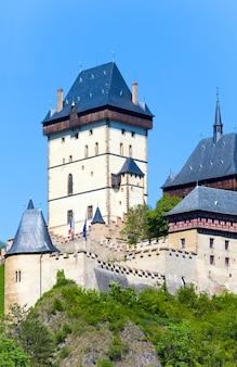 Histórico castillo medieval de karlstejn en república checa
