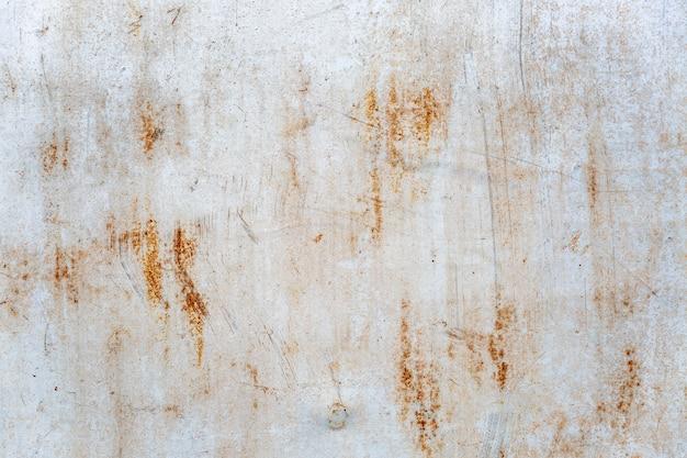 Hoja de hierro blanco oxidado. espacios y texturas. espacio para texto.