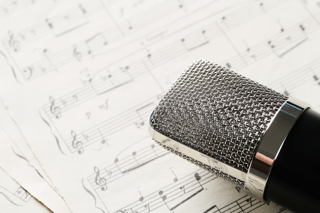 Hoja de notas musicales