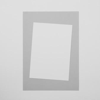 Hoja de papel blanco de vista superior