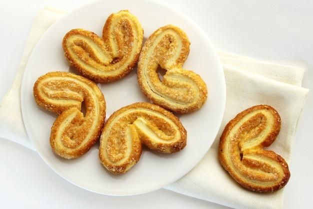 Hojaldre. galletas dulces de palmier