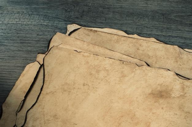Hojas de cultivo de papel viejo