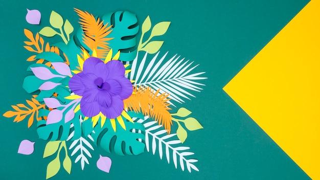 Hojas y flores de papel de floración plana