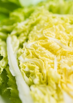 Hojas de primer plano de ensalada verde