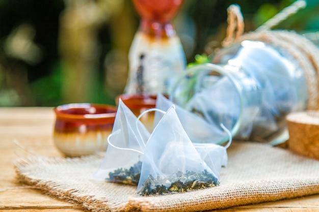 Hojas secas de té