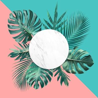 Hojas tropicales con espacio de copia y fondo de color pastel