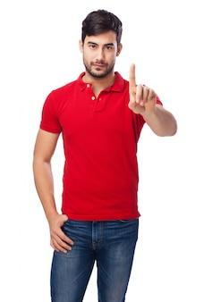 Hombre con un dedo levantado