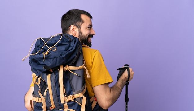 Hombre excursionista