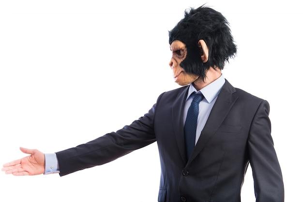Hombre mono haciendo un trato