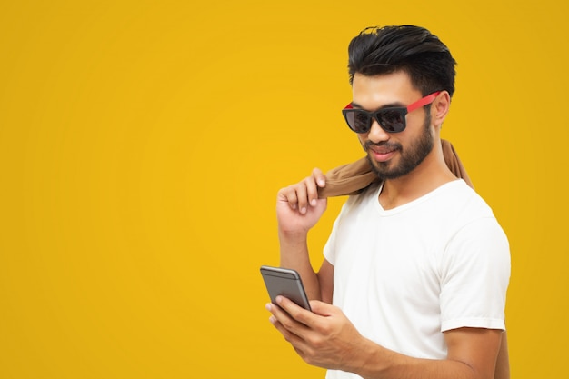 Hombre de negocios asiático hombre guapo con un bigote