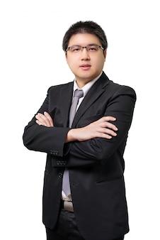 Hombre de negocios asiático joven aislado en traje formal con corbata