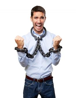 Hombre de negocios encadenado