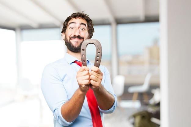 Hombre de negocios loco expresión feliz