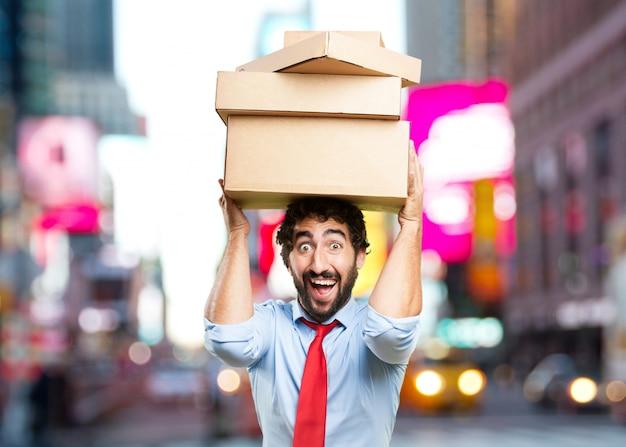 Hombre de negocios loco. expresión de sorpresa