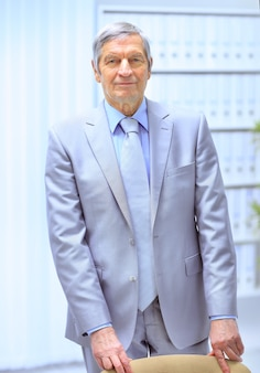 Un, hombre de negocios, en la oficina