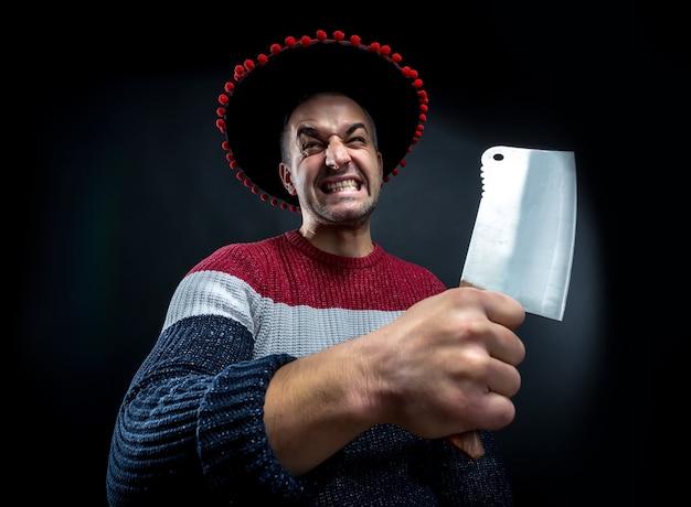 Hombre psicópata con cuchillo de carnicero.