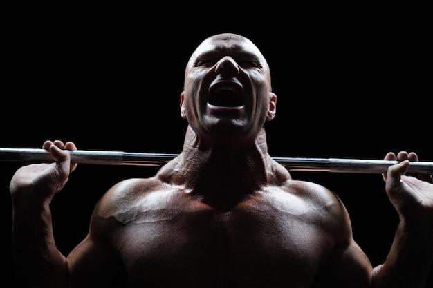 Hombre sano, elevación, crossfit