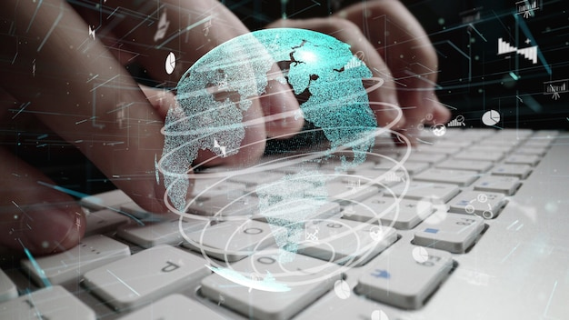 Hombre trabajando en equipo con gráfico de modernización analítica de datos comerciales