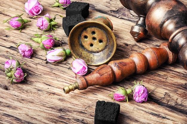 Hooka con sabor a té rosa.