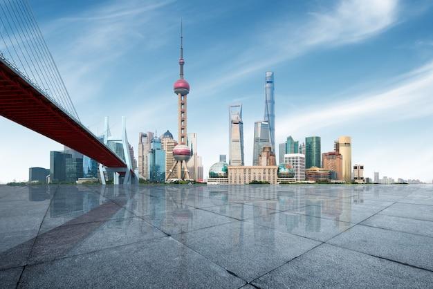 Horizonte moderno de la metrópoli, panorama de shangai, china, shangai.