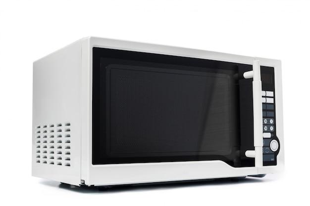 Horno microondas. aislado en blanco