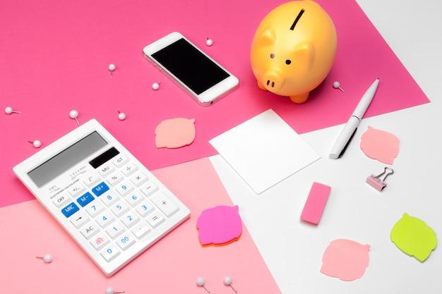Hucha y calculadora