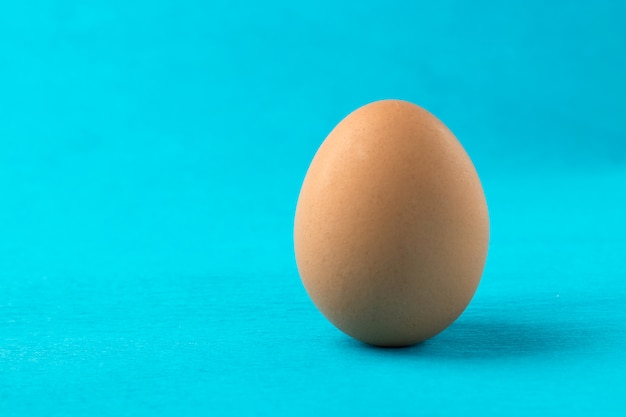 Huevo de gallina roja