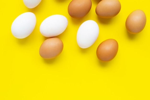 Huevos en amarillo.