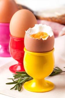 Huevos cocidos y romero
