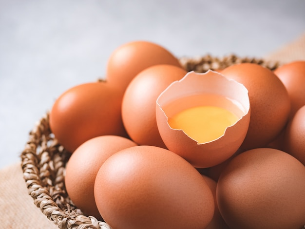 Huevos de gallina orgánicos ingredientes alimenticios
