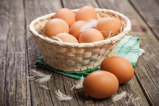 Huevos orgánicos frescos