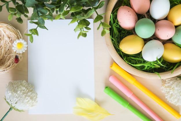 Huevos de pascua y otras decoraciones