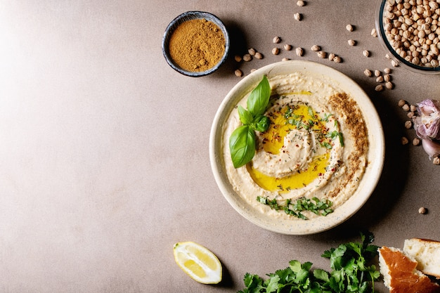Hummus con aceite de oliva