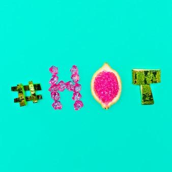 Humor de verano cristales de frutas frescas hashtag caliente y glamour