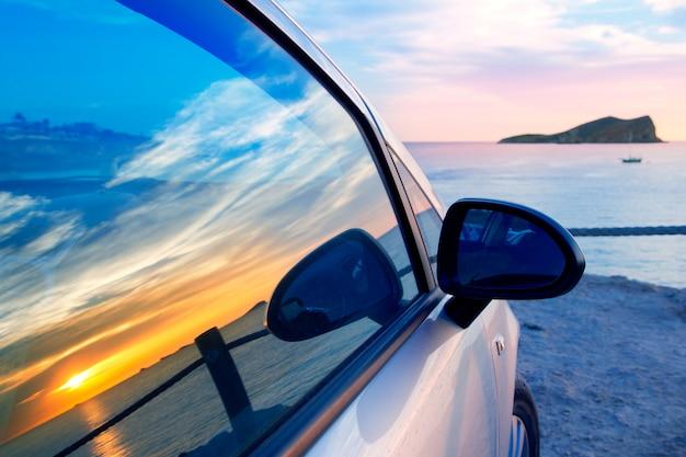 Ibiza cala conta conmte en ventanilla coche cristal.