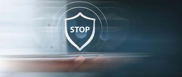 Icono de antivirus y señal de stop
