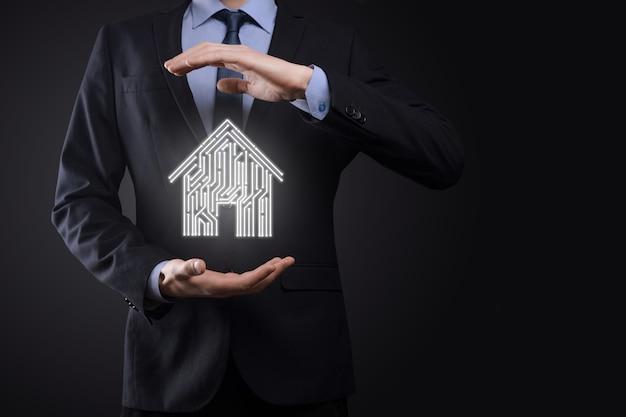 Icono de casa de espera de empresario