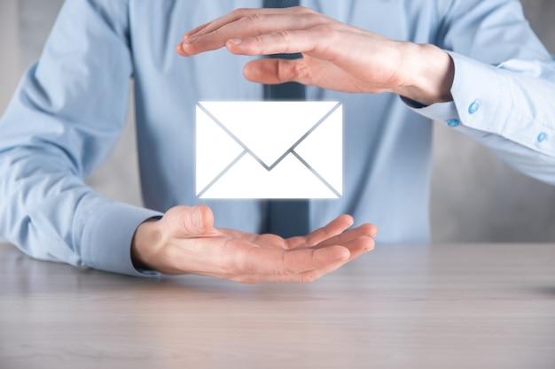 Icono de correo electrónico y usuario, signo, símbolo de marketing o concepto de boletín informativo, diagrama.