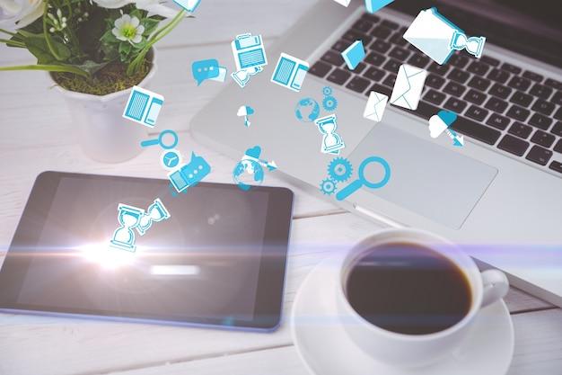 Iconos flotando con dispositivos tecnológicos de fondo