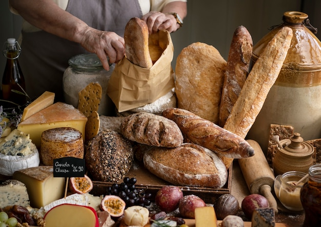 Idea hecha en casa de la receta de la fotografía del alimento del pan de pan amargo