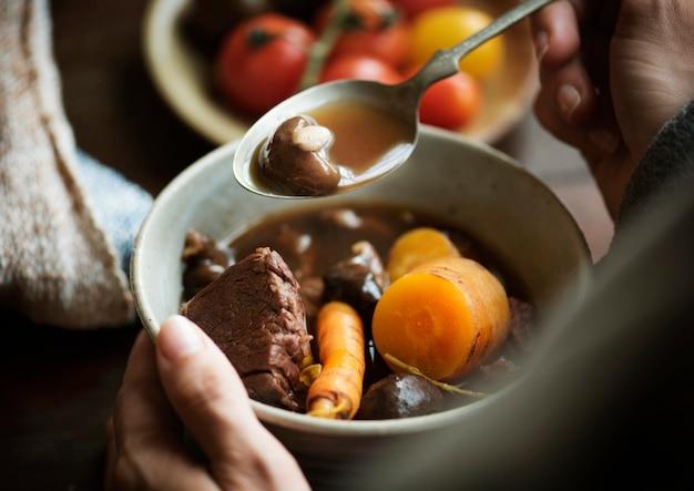 Idea de receta de fotografía de comida de estofado de carne hecha en casa