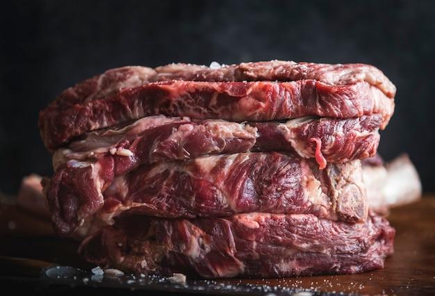 Idea de receta de fotografía de comida de filete de ternera fresca