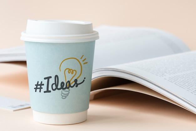 Ideas hashtag en un vaso de papel