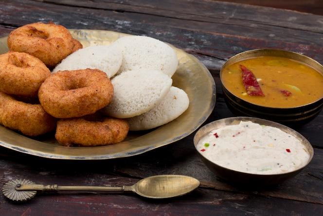 Idli vada comida india del sur