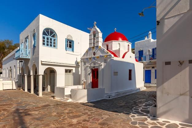 Iglesia de agia anna en la isla de mykonos, grecia