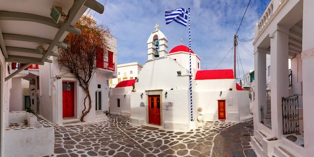 Iglesia de agia kyriaki en la isla de mykonos, grecia