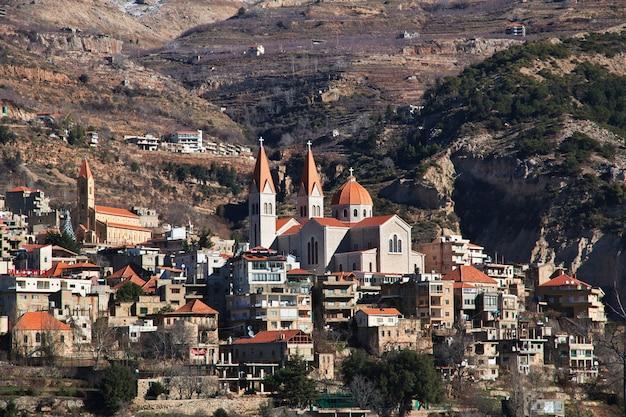 La iglesia en el valle de kadisha, líbano